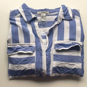 👔NWT Forever 21 striped button down